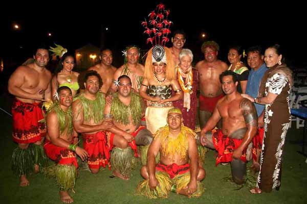 01. Her Highness with Chief Seiuli and Dance Troupe LR.jpg