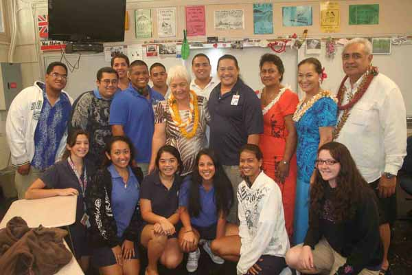02. Her Highness with Hawaiian Language and Culture class LR.jpg